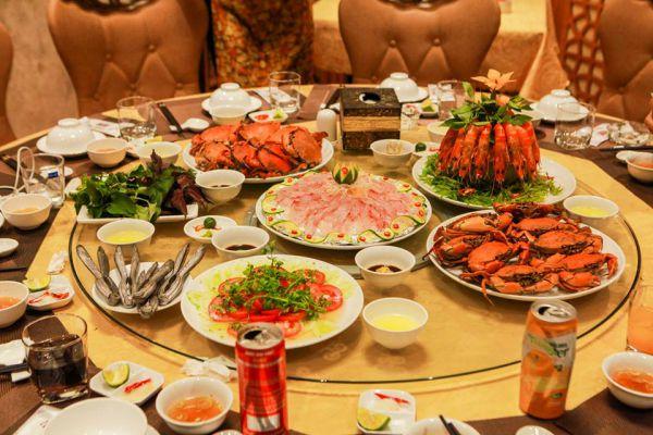 Không chỉ thơm ngon, các món ăn phục vụ tại nhà hàng Vân Hồ còn đảm bảo được yếu tố vệ sinh an toàn thực phẩm, quý khách hàng hoàn toàn có thể yên tâm thưởng thức