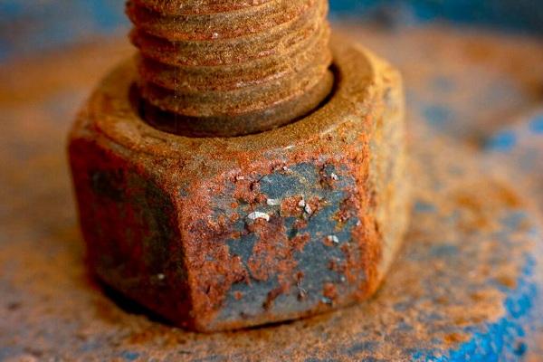 hóa chất tẩy rửa kim loại