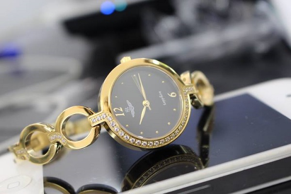Đón tết Kỷ Hợi với quà tặng cực chất từ hãng đồng hồ SR và LC