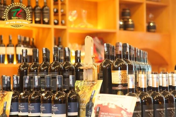 Mua rượu vang Cầu Giấy ở đâu chất lượng?