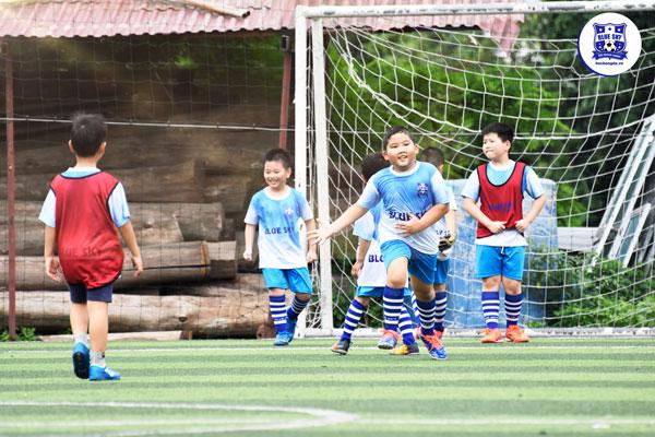 Đem đến cho con mùa hè ý nghĩa, đáng nhớ bằng khóa học bóng đá hè của Blue Sky