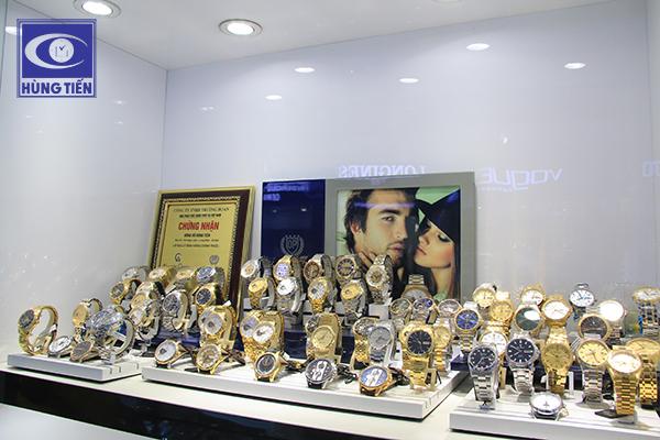 Đồng hồ Hùng Tiến Long Biên