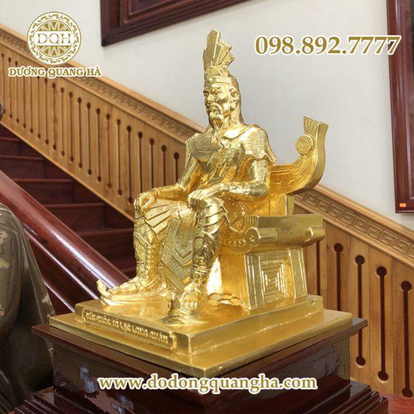 Tưởng nhớ vua Hùng qua tượng đồng Vua Hùng tại Dương Quang Hà