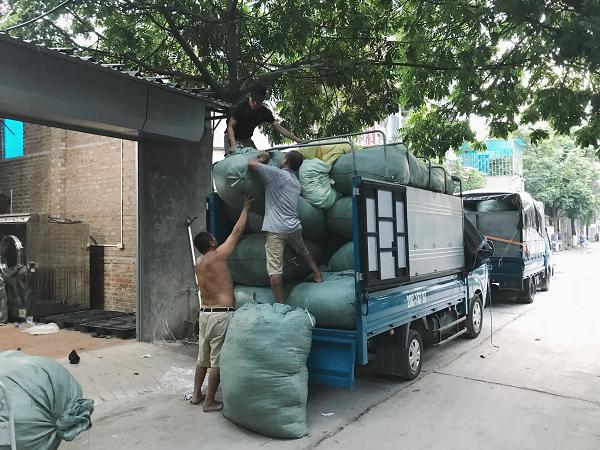 Địa chỉ nào chuyên bán buôn kiện hàng thùng uy tín, chất lượng