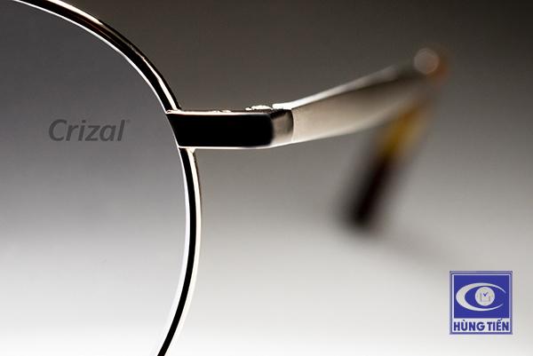 Mua tròng kính Pháp Crizal tại Hùng Tiến, nhận ngay ưu đãi trị giá 200 ngàn đồng