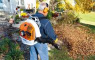 Hướng dẫn cách sử dụng và bảo quản giúp máy thổi lá bền bỉ theo thời gian