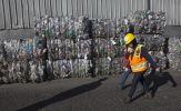 Doanh nghiệp thu gom phế liệu Mỹ gặp khó vì Trung Quốc ngừng nhập khẩu
