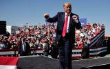 Dự báo GDP tăng kỷ lục có giúp ông Trump giành lại lợi thế?