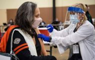 Mỹ đẩy mạnh chiến dịch tiêm chủng vắc xin phòng Covid-19: Nhiều dấu hiệu tích cực
