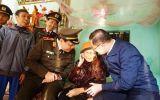 Công an TP Hà Nội thăm và chúc tết các gia đình chính sách, hộ nghèo xã Tuy Lai, huyện Mỹ Đức