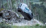 Range Rover Sport SVR tạo ra những màn trình diễn táo bạo trong phim James Bond mới